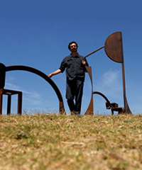 Sculpture by the Sea winner artist David Horton with his piece Yesternight Tracey Nearmy AAP 2007
